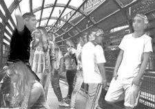Joves a l'espai públic